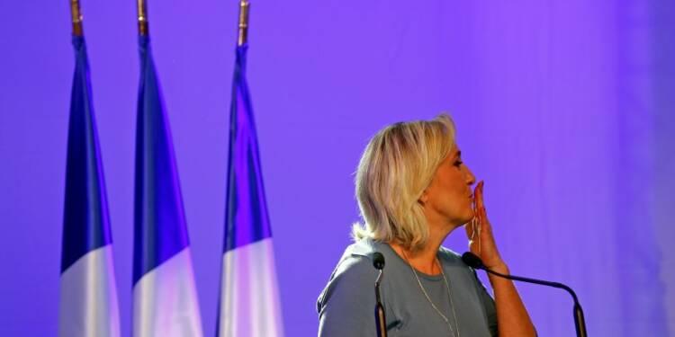 """À Fréjus, Marine Le Pen se pose en """"candidate du peuple"""""""