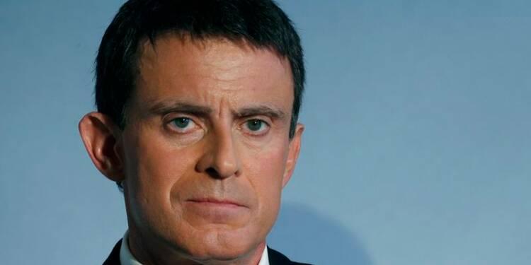 """Valls évoque la """"révolution conservatrice"""" préparée à droite"""