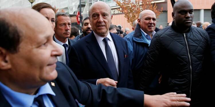 Juppé devance toujours Sarkozy pour la primaire