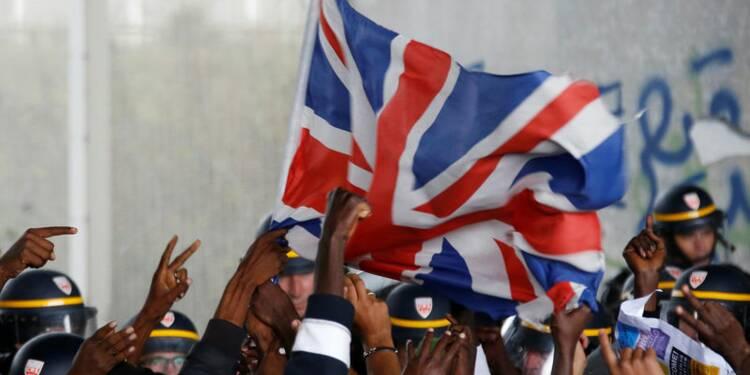 Londres s'engage à accueillir les mineurs isolés de Calais