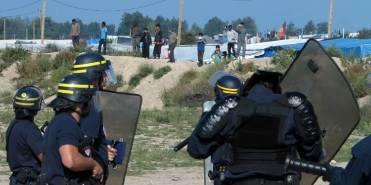 Heurts entre migrants et CRS à Calais après la visite de Sarkozy