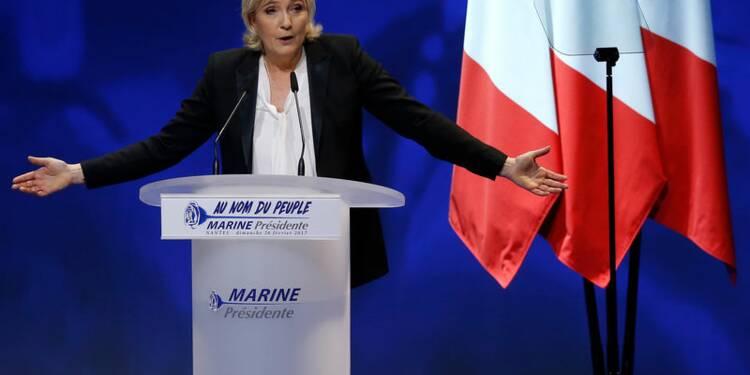 Marine Le Pen se pose en victime des médias et des juges