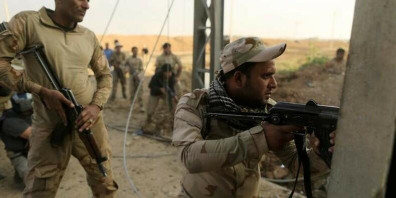 Les forces irakiennes dans la dernière ville au sud de Mossoul