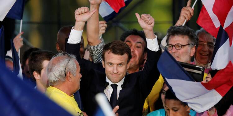 Macron devrait être sacré président dimanche