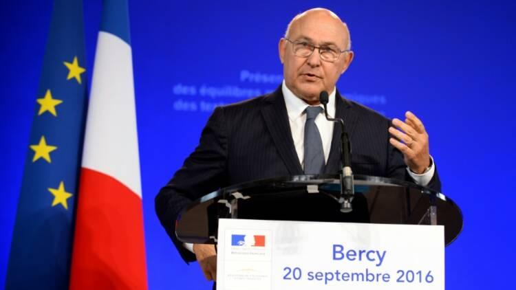 """Prélèvement à la source: une réforme """"historique"""" pour Sapin"""