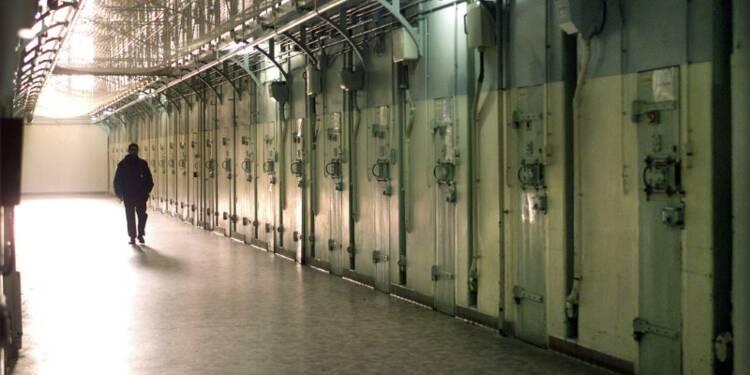 Manuel Valls annonce un objectif de 33 nouvelles prisons