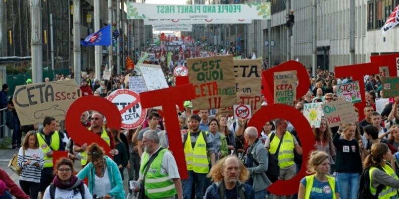 Contre les traités de libre-échange transatlantiques, 9.000 manifestants à Bruxelles