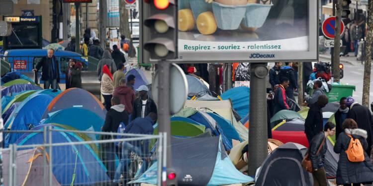 A Stalingrad, les migrants veulent rester en France