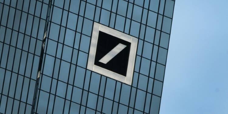 Deutsche Bank poursuit sa descente aux enfers