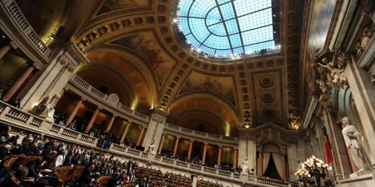 Dans le viseur de Bruxelles, le Portugal s'engage à juguler ses déficits