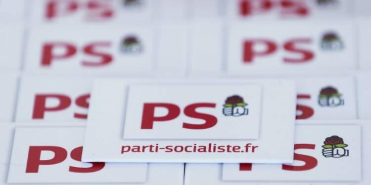"""Le PS entre doutes sur Hollande et improbable """"plan B"""""""