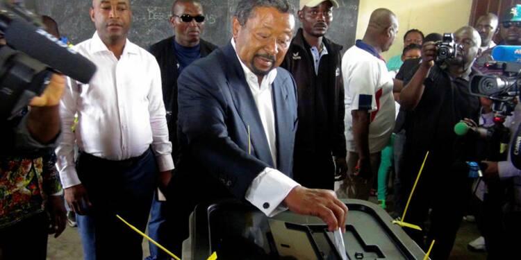 Au Gabon, Ali Bongo et Jean Ping revendiquent la victoire