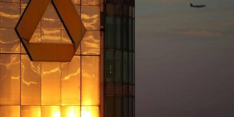 Commerzbank espère un bénéfice annuel malgré une perte au T3