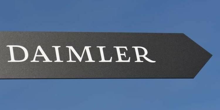 Daimler compte atteindre son objectif de bénéfice 2016