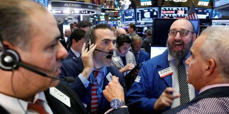 Wall Street ouvre en hausse, le Dow Jones atteint un record