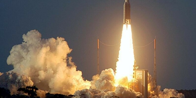Ariane met en orbite deux satellites pour Intelsat