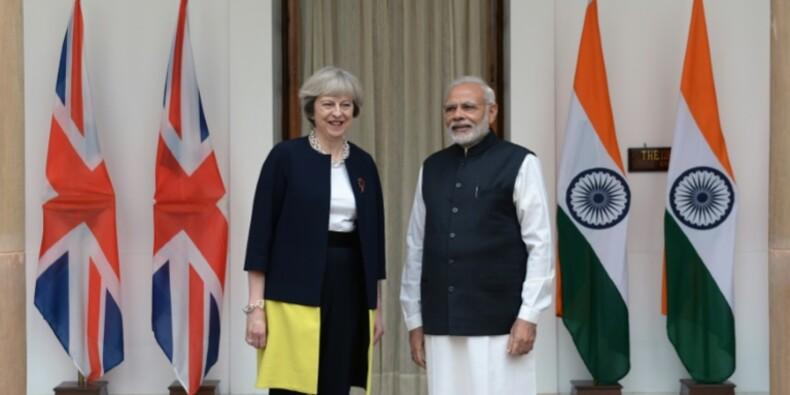 Theresa May en Inde pour préparer l'après-Brexit