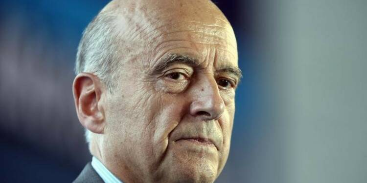 Alain Juppé se confie et égratigne Nicolas Sarkozy dans un livre