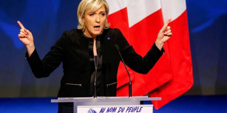 Le Pen (26%) devance Macron (22%) et Fillon (21%), selon un sondage Opinionway