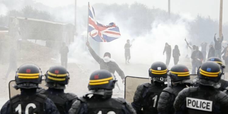 Heurts à Calais en marge d'une manifestation interdite