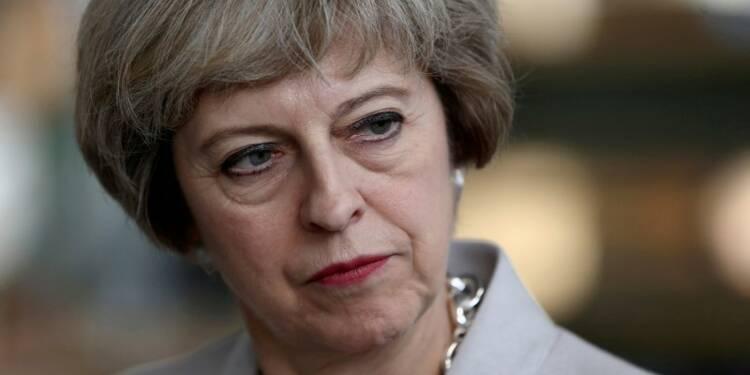 Theresa May pourrait déclencher le Brexit sans vote du Parlement