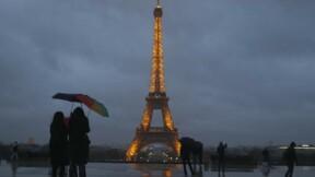 Le parvis de la Tour Eiffel bientôt entouré de panneaux de verre