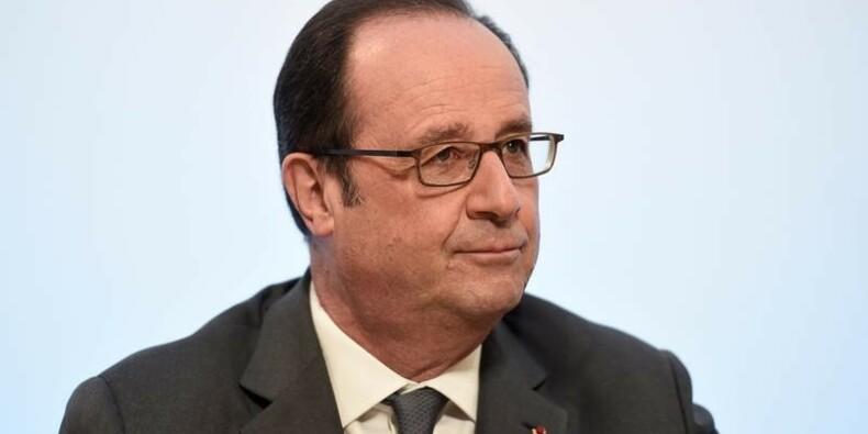 """Hollande dénonce """"toute mise en cause des magistrats"""""""