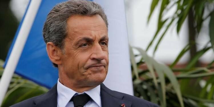 "La polémique sur les ""Gaulois"" de Nicolas Sarkozy rebondit"