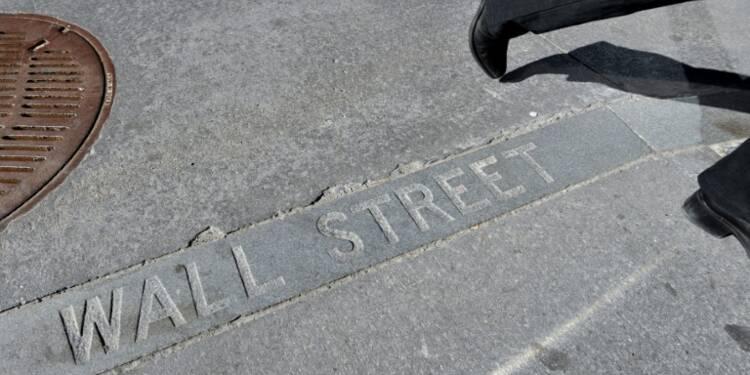 Wall Street termine en légère baisse attentiste avant l'élection