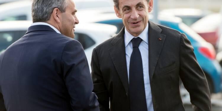 """Sarkozy """"trumpise"""" sa campagne et bouscule Juppé"""