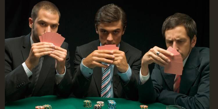 Bluffer au travail sans se planter : 5 astuces inspirées des pros du poker