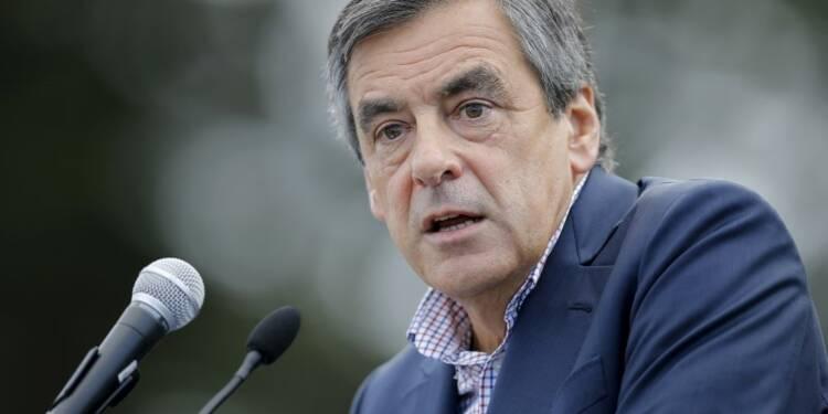 Fillon sonne la charge contre Sarkozy