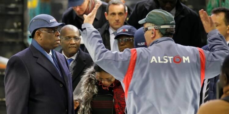 La France prête 200 millions d'euros au Sénégal pour des TER à Dakar