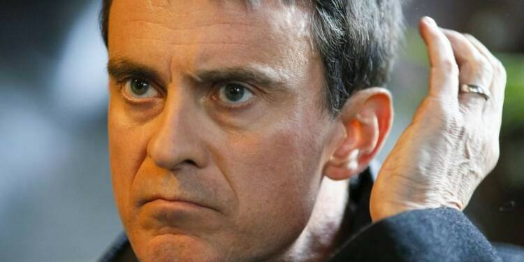 Un jeune gifle Manuel Valls en Bretagne