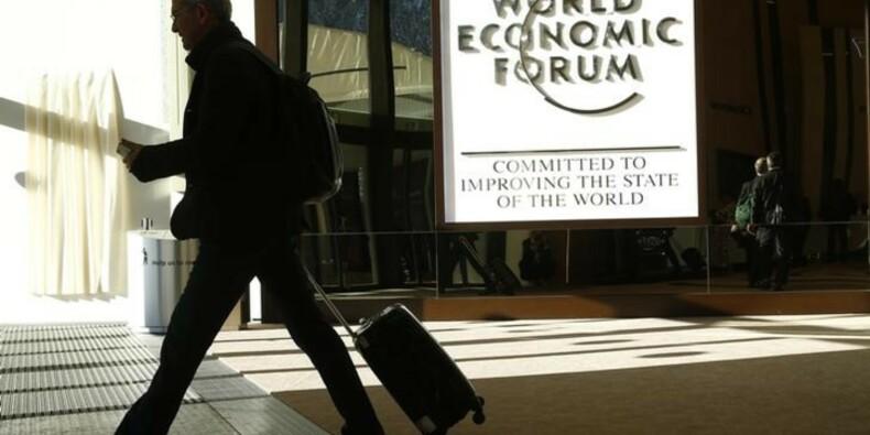 """Stratégies du """"moins disant"""" et dollar fort inquiètent à Davos"""