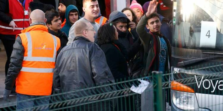 Fin du transfert des mineurs isolés du camp de Calais