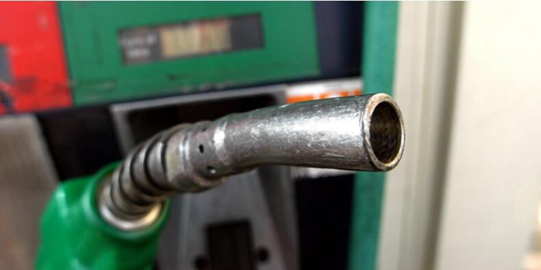 Chute vertigineuse des prix de l'essence et du diesel en 2014