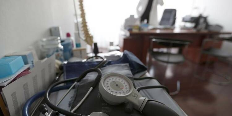 Le projet santé de Fillon s'invite dans le débat politique
