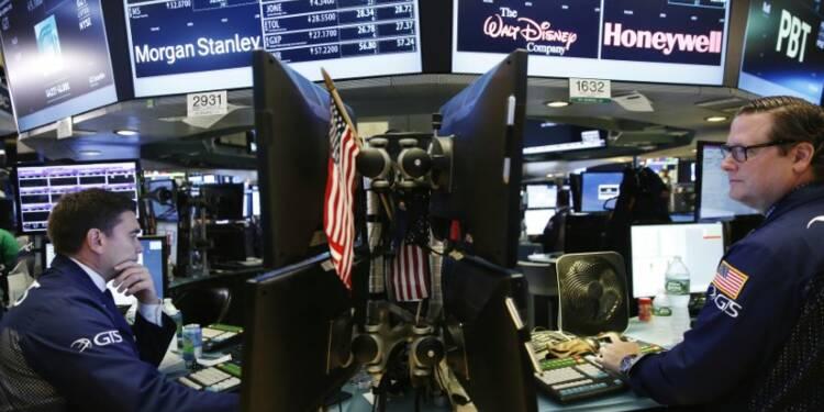 Pétrolières et valeurs de consommation ont pesé sur Wall Street