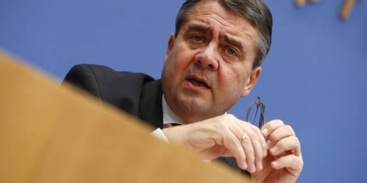 Gabriel lie les sanctions contre Moscou à la paix en Ukraine