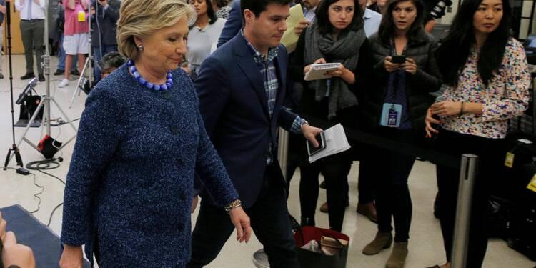Clinton tranquille: le FBI tiendra la décision sur les courriels