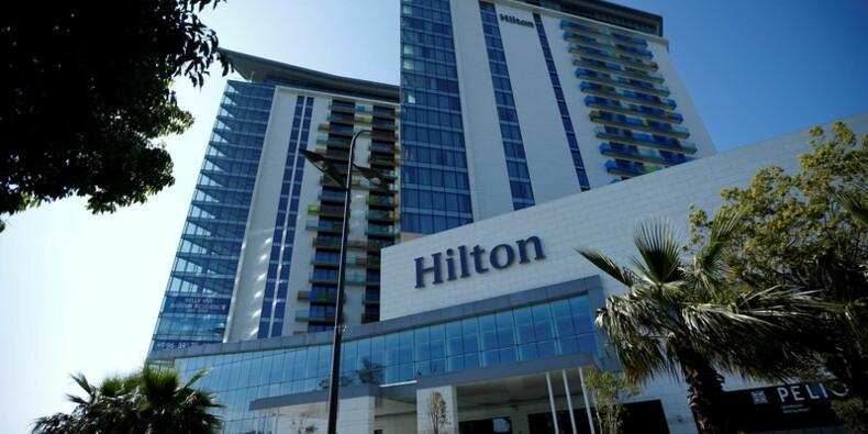 Hilton abaisse encore sa prévision de revenu par chambre