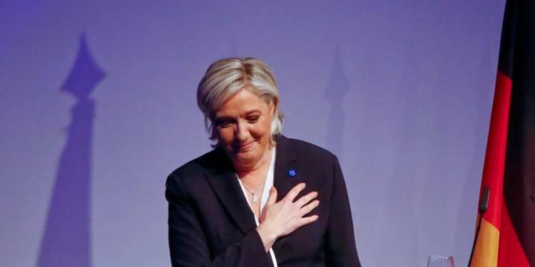 """En Allemagne, Marine Le Pen prédit un """"réveil"""" en Europe"""