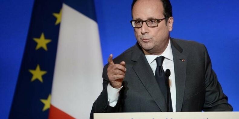 Hollande veut plus de démocratie en préservant les institutions