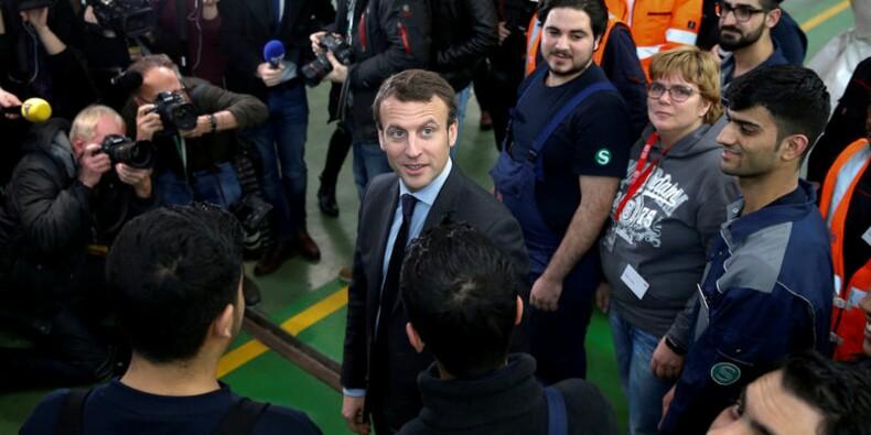 Macron battrait Fillon au second tour, selon un sondage Sofres