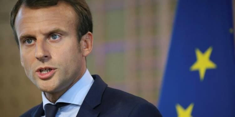 "Emmanuel Macron ""prend la mer"", cap sur 2017"