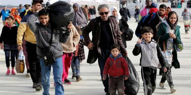 Mille trois cents migrants débarquent dans les ports de Sicile