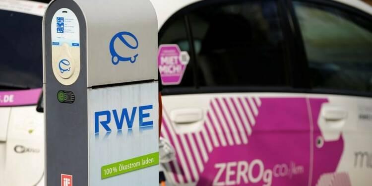 RWE passe le dividende après des dépréciations, l'action baisse
