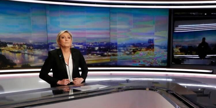 Le Pen progresse en tête au premier tour, selon un sondage