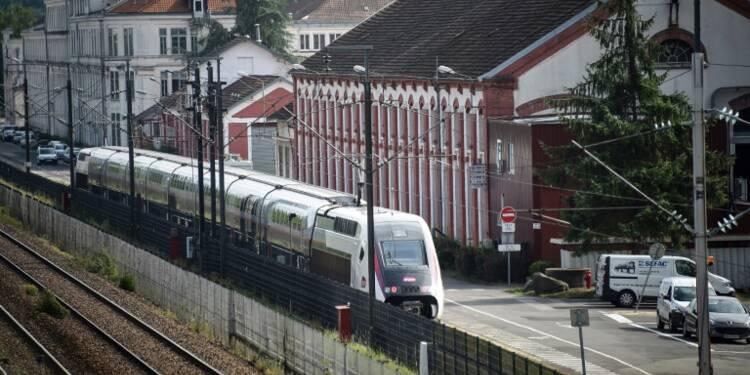 "Alstom: Valls juge ""hors de question que le site de Belfort ferme"""